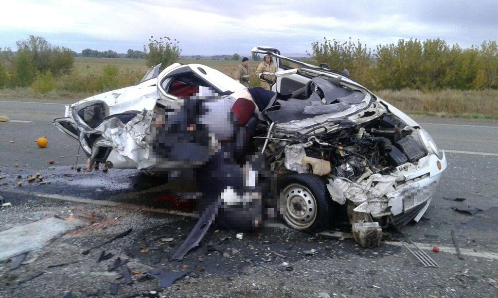 ВДТП натрассе Оренбург-Орск столкнулись три автомобиля: есть жертвы
