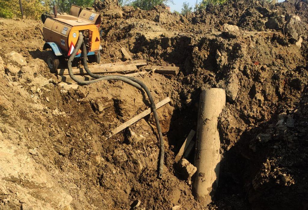 «Работа фактически парализована, терпим убытки колоссальные!» Несколько крупных предприятий Орска осталось без воды из-за аварии