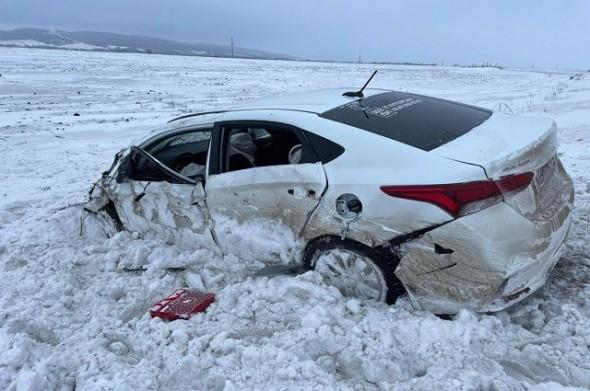 Двое маленьких детей и женщина погибли на трассе Уфа-Оренбург