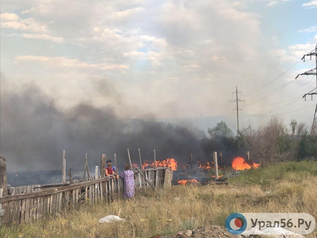 Чтобы огонь не угрожал людям: орские поселки Новоказачий и Первомайский отделят от Урала полосой вспаханной земли