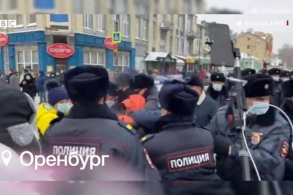 Кадры жестокого задержания в Оренбурге показали в новостях BBC