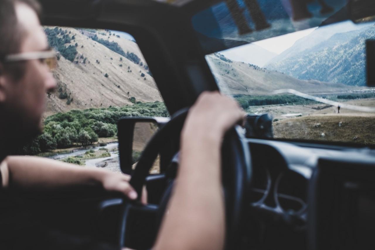 «Через ущелья, коварные горные речушки и бездорожье»: Оренбуржцы сняли фильм об экспедиции на Кавказ