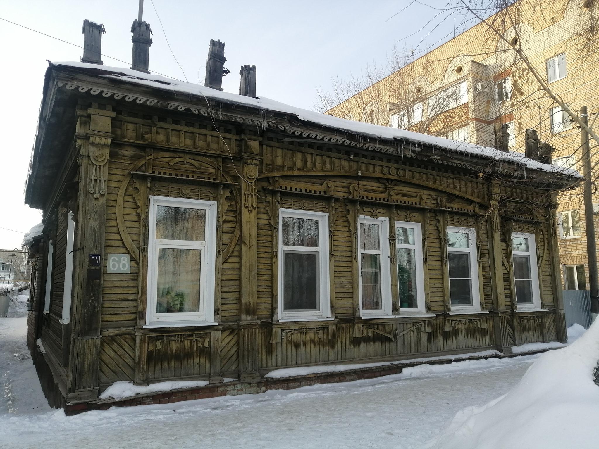 Дизайнер и блогер Артемий Лебедев дал 100 тысяч рублей на реставрацию деревянного дома в Бузулуке