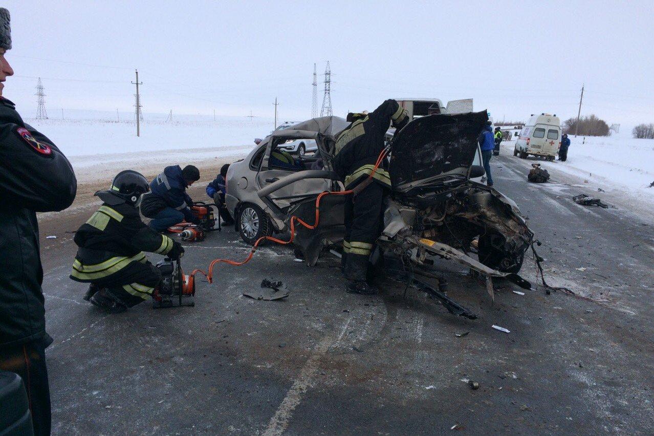 Тройное ДТП стремя жертвами случилось наавтотрассе Казань-Оренбург