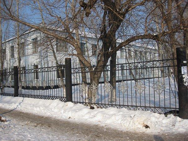 Школу Оренбурга обязали обеспечить охрану и видеонаблюдение для безопасности учеников