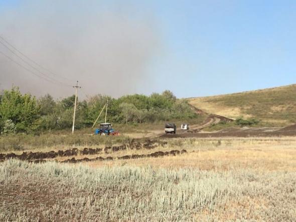 В Новосергиевском районе горело 100 га сухой травы. Пожар тушили всю ночь