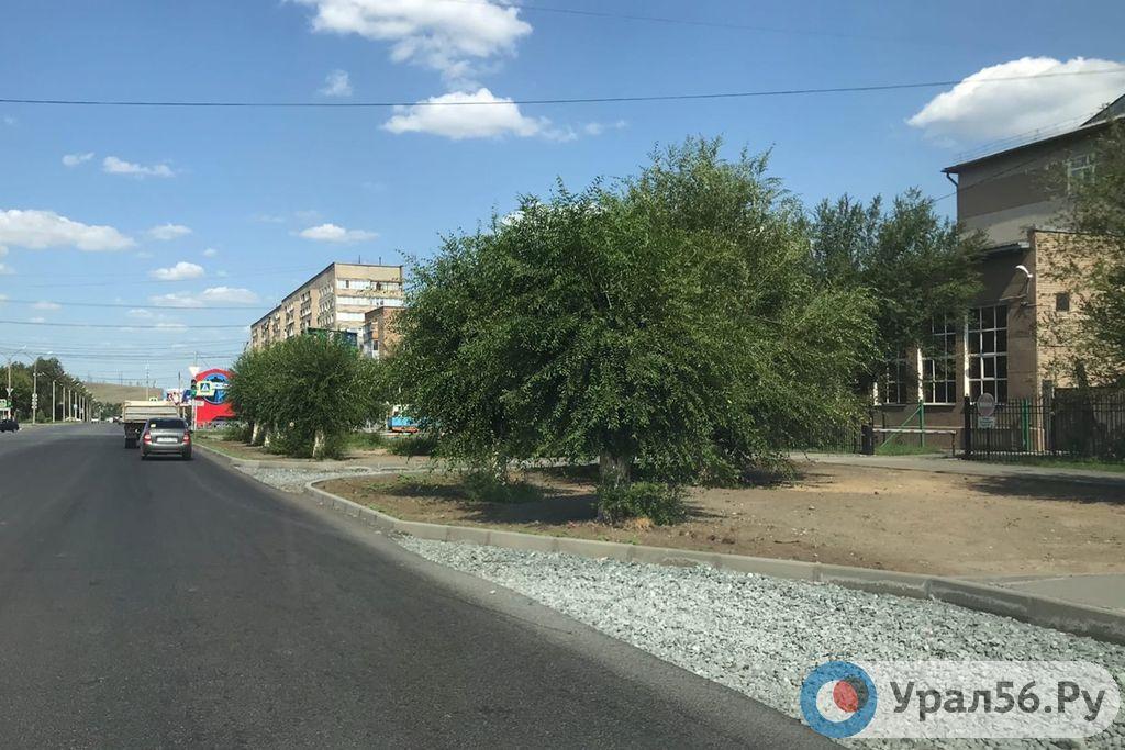 Несколько дорог Орска отдали для ремонта одному подрядчику, но этого оказалось мало. Он взял себе еще несколько лотов
