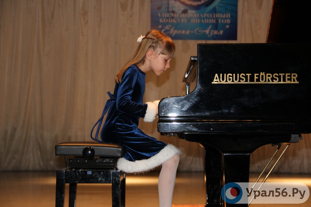 Конкурсы пианистов по украине