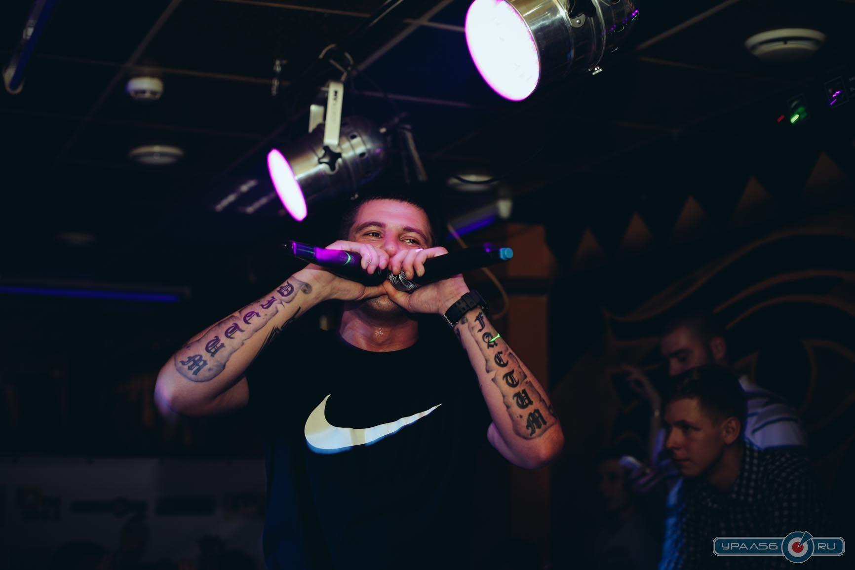 Фото татуировок серёжи местного